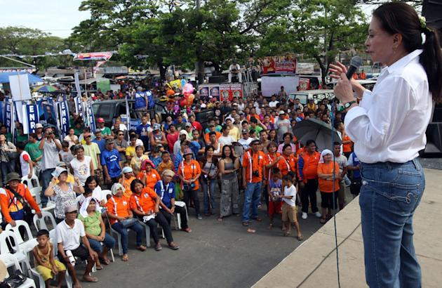 UNA bets woo Pampanga voters