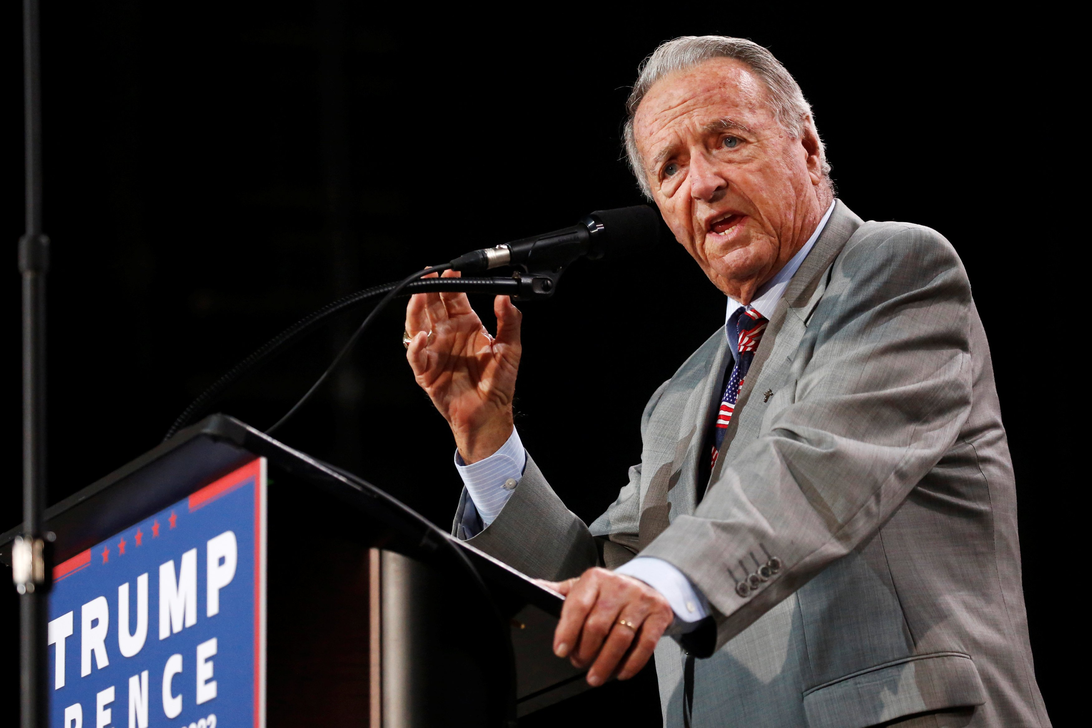 Former Florida State University football coach Bobby Bowden delivers remarks at a rally with Republican U.S. presidential nominee Donald Trump in Tampa, Florida, U.S. October 24, 2016. REUTERS/Jonathan Ernst
