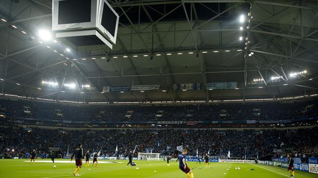 Bundesliga - Schalke ban hundreds of Dortmund fans for five years