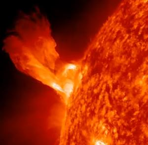Sun's 2013 Solar Storm Peak Expected to Hit Century Low