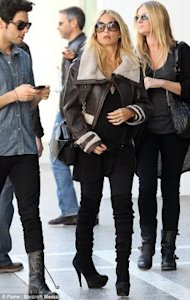 Pregnant Rachel Zoe steps out in foot-skyscrapers. (Fame/Barcroft Media/via the Daily Mail)