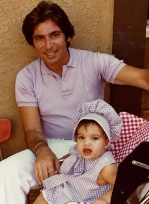 Kim Kardashian Felt 'Helpless' When Her Dad, Rob, Died - Star Opens Up About Difficult Time