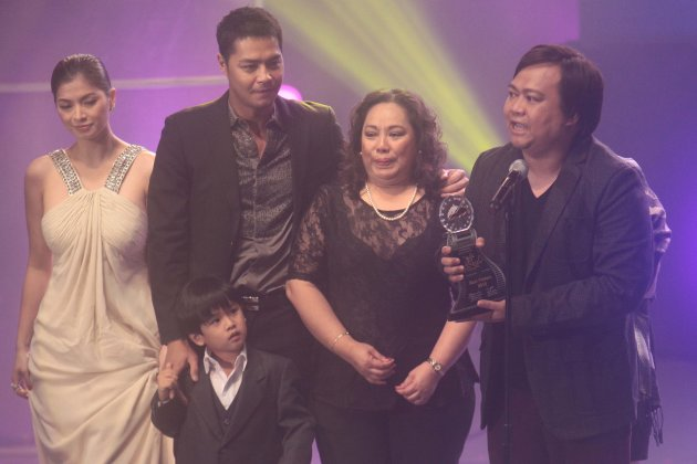 "Angel Locsin, Zanjoe Marudo, Miguel Vergara and Director Ruel Bayani accept their Best Picture Award for ""One More Try"""