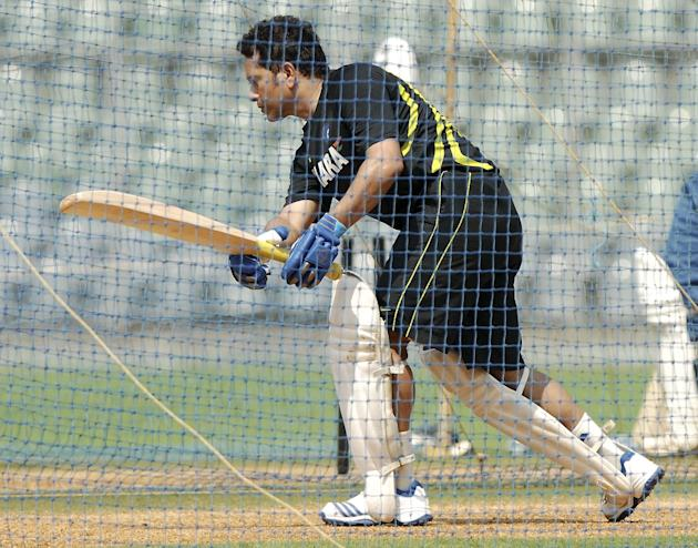 Sachin Tendulkar practice with Mumbai team ahead of his last Ranji Trophy match for Mumbai against Haryana in Lahli, Rohtak in Mumbai on Oct.23, 2013. (Photo: Sandeep Mahankaal/IANS)