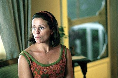 Frances McDormand as Elaine Miller in Dreamworks' Almost Famous