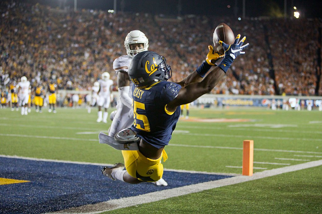 BERKELEY, CA - SEPTEMBER 17: Wide receiver Jordan Veasy #15 of the California Golden Bears can't get his feet in bounds for a touchdown against safety P.J. Locke III #11 of the Texas Longhorns. (Getty)