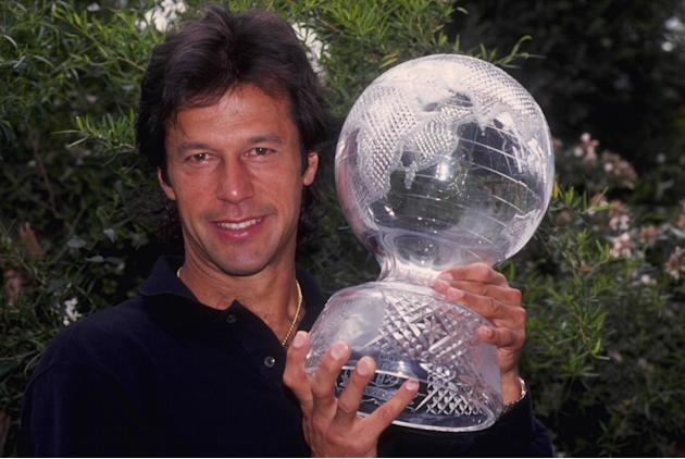 WORLD CUP TROPHY IMRAN KHAN