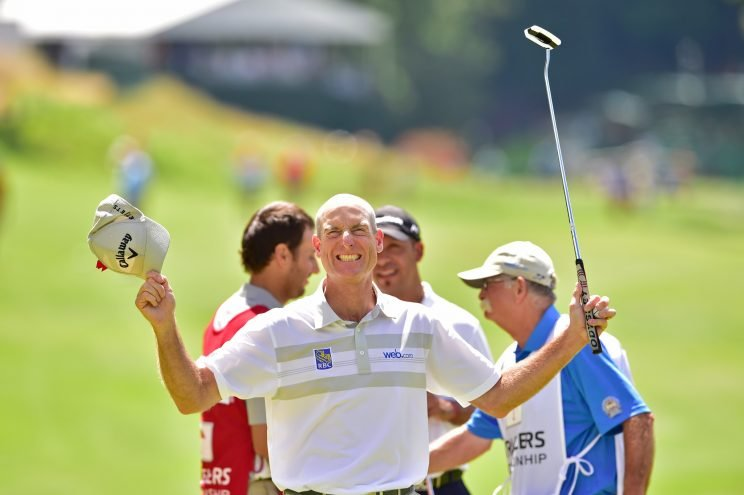 Jim Furyk celebrates after shooting 58 (Getty Images)