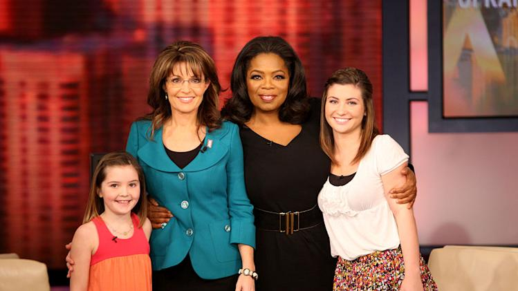 "Sarah Palin and her daughters with Oprah on ""The Oprah Winfrey Show."""