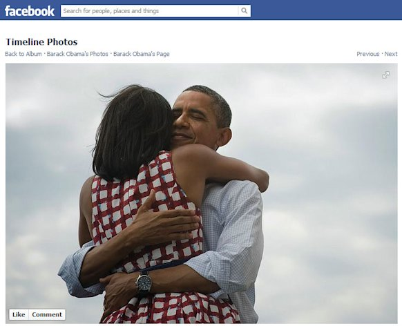 Screenshot of Barack Obama fanpage's photo. It has over 3 million likes as of November 8.