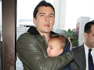SUPER CUTE: Orlando Bloom Cuddles Adorable Son Flynn