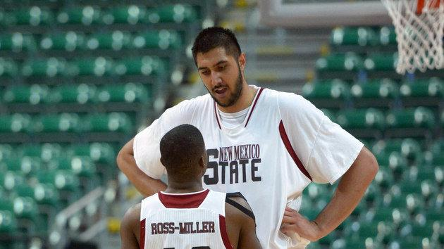 Sim Bhullar reportedly enters 2014 NBA draft; could become first ever Indian-origin player in NBA