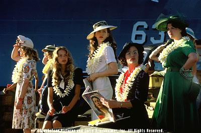 In the days before the attack on Pearl Harbor, the nurses, including Barbara ( Catherine Kellner , far left), Betty ( James King , second from left), Evelyn ( Kate Beckinsale , center), Sandra ( Jennifer Garner , second from right), and Martha ( Sara Rue , right), enjoy a relatively uneventful tour of duty in Touchstone Pictures' Pearl Harbor
