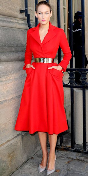 Leelee Sobiesky was stunning in scarlet Dior at the label's show