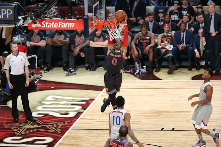 Alley-oops heal all wounds. (Getty Images)