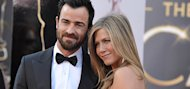 Jennifer Aniston puts wedding on hold...again