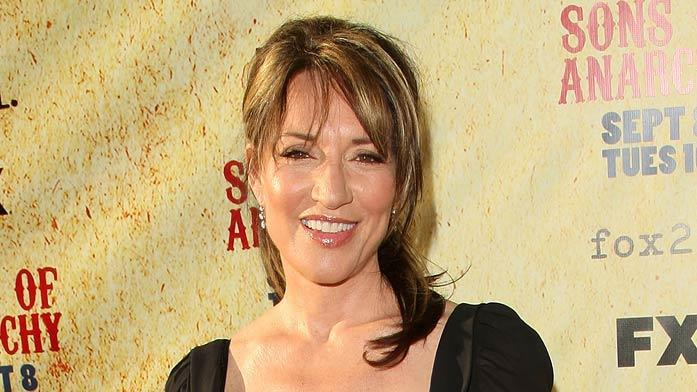 "Katey Sagal arrives at the season two premiere of the FX television series ""Sons of Anarchy"" at the Paramount theatre on August 23, 2009 in Hollywood, California. Katey Sagal"