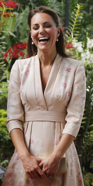 Catherine, Duchess of Cambridge visits Singapore Botanical Gardens on day 1 of their Diamond Jubilee tour on September 11, 2012 in Singapore. Prince William, Duke of Cambridge and Catherine, Duchess o