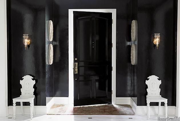 Black Lacquered Entry