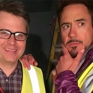 Mark Ruffalo dan Robert Downey Jr. Pamer Foto Syuting Avengers: Age of Ultron