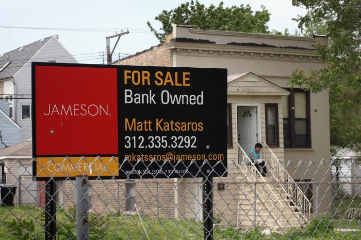4,000 vacant lots on sale in Chicago for $1 each.