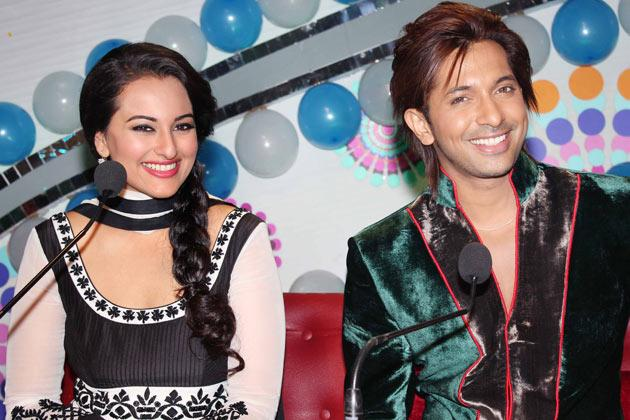 Why was Sonakshi alone at the promotions?