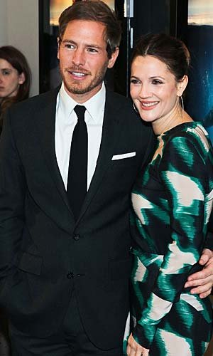 Drew Barrymore with fiance Will Kopelman. (Paul Morigi/WireImage)