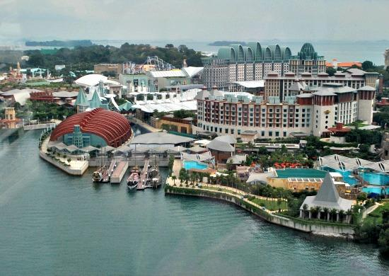 Resorts World Sentosa opens