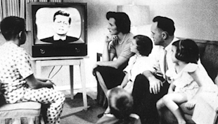 Not Your Grandfather's TV: Social TV Experience Ropes In Viewers For Latest Hit Shows image TV history