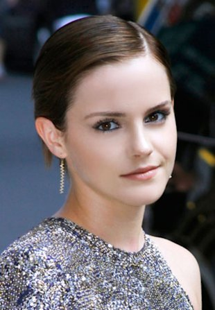 Emma Watson's Sleek Straight Cut