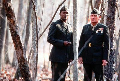 Samuel L. Jackson as Col. Terry Childers and Tommy Lee Jones as Col. Hayes Hodges in Paramount's Rules Of Engagement