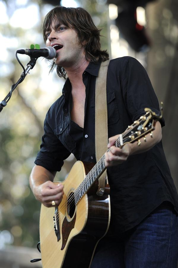 Old 97's Singer Rhett Miller Damages Voice, Resorts to Twitter