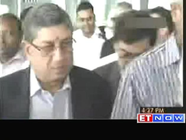 SC allows Srinivasan to take charge as BCCI chief