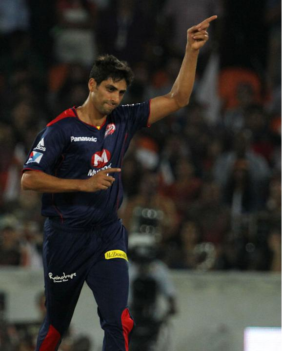 Ashish Nehra [Delhi Daredevils]: 10 matches, 11 wickets at an economy rate of 8.77. Another experienced campaigner who let Delhi down with some insipid performances. Nehra was especially at fault in t