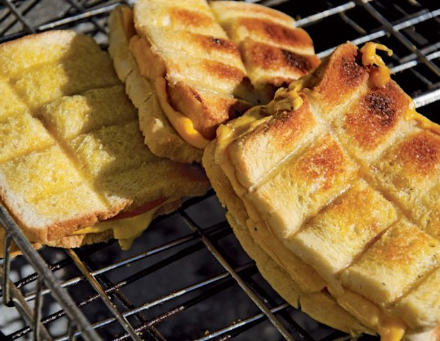 Jan Braai's recipe for perfect braaibrootjies, National Braai Day