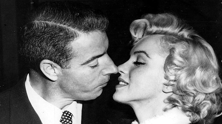 Marilyn Monroe weddingkisses
