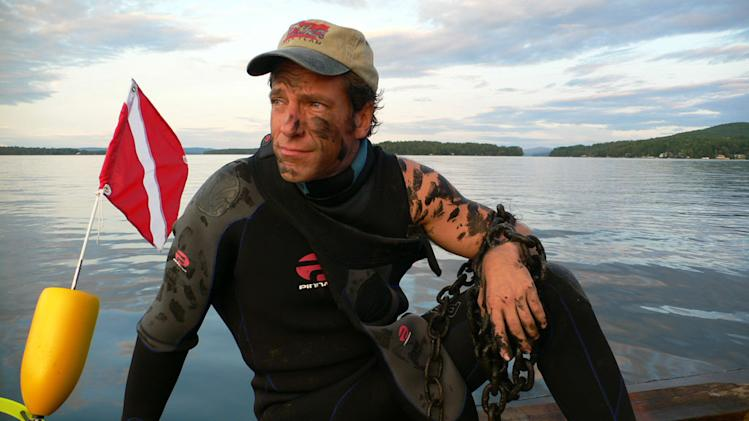 Host Mike Rowe  in Buoy Repair Man episode of Dirty Jobs.