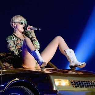 Miley Cyrus Postpones Bangerz Tour After Allergic Reaction to Antibiotics
