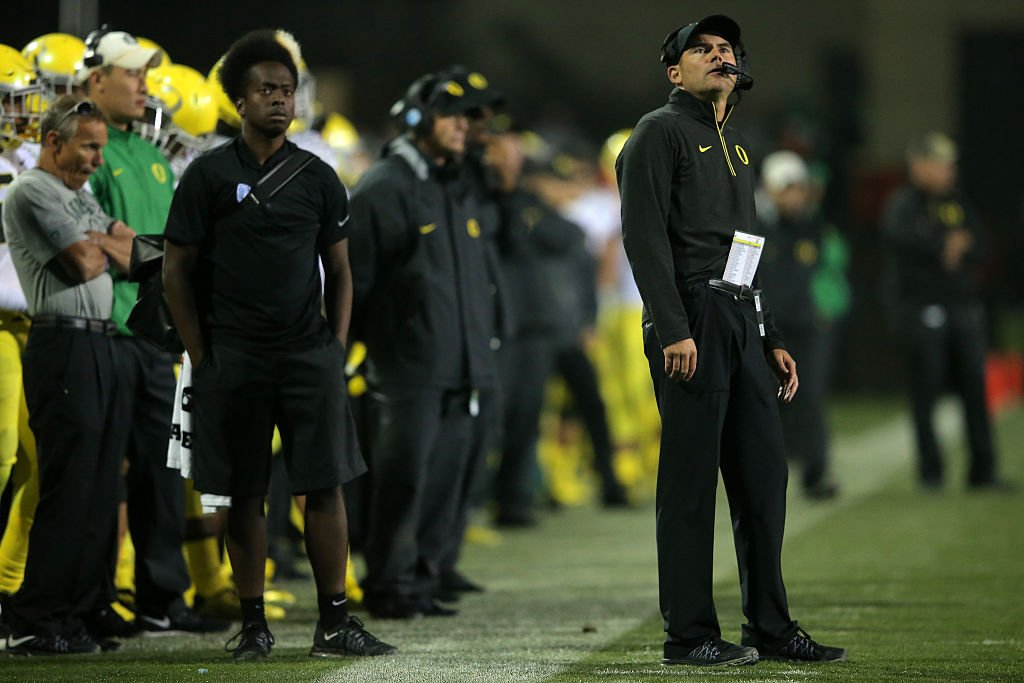 Oregon coach mark Helfrich has been fired after four seasons. (Getty)