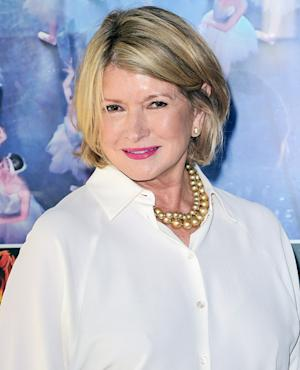 Martha Stewart Breaks iPad the Late Steve Jobs Gave Her, Jokingly Slams Apple on Twitter!