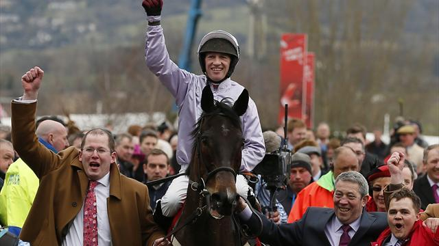 Horse Racing - Solwhit takes World Hurdle glory at Cheltenham Festival
