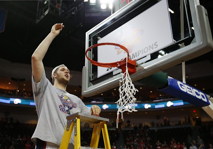 How Przemek Karnowski recovers from back surgery will be key to Gonzaga's WCC title hopes (AP)