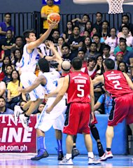 James Yap soars for a lay-up. (PBA Images)