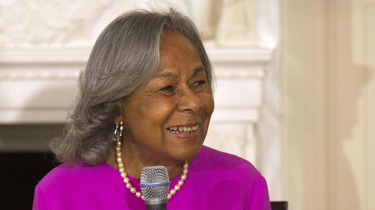 "Rachel Robinson, widow of baseball great Jackie Robinson, speaks to a workshop for high school and college students with cast members of the movie ""42"" in the State Dining Room of the White House in Washington, Tuesday,April 2, 2013. (AP Photo/Jacquelyn Martin)"