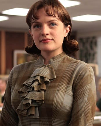How 'Mad Men's' Perfect Peggy Got Down and Dirty for 'Top of the Lake' (Video)