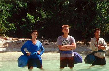 Francoise ( Virginie Ledoyen ), Richard ( Leonardo DiCaprio ) and Etienne ( Guillaume Canet ) ponder the distance they must swim in 20th Century Fox's The Beach