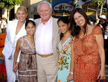 Anthony Hopkins and family at the Los Angeles fan screening of Paramount Pictures' War of the Worlds
