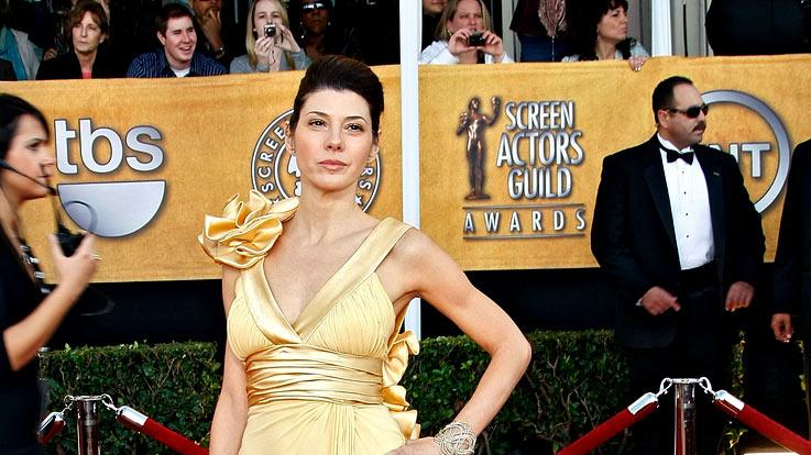 Marisa Tomei arrives at the 15th Annual Screen Actors Guild Awards held at the Shrine Auditorium on January 25, 2009 in Los Angeles, California.