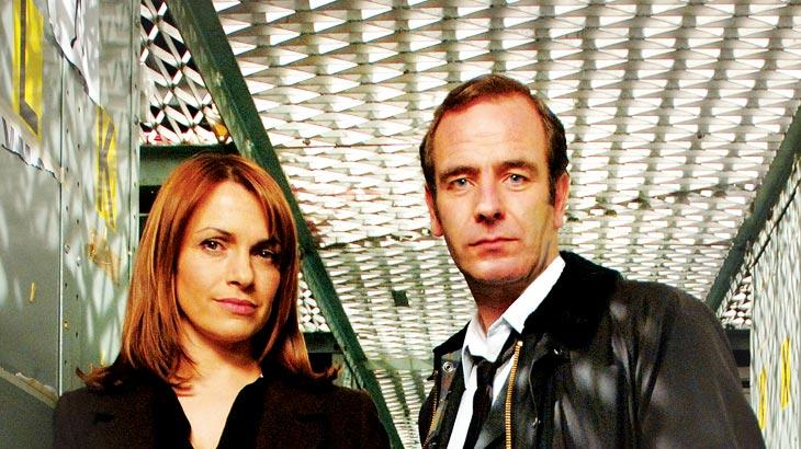 Simone Lahbib as DI Alex Fielding and Robson Green as Dr. Tony Hill star in Wire in the Blood.