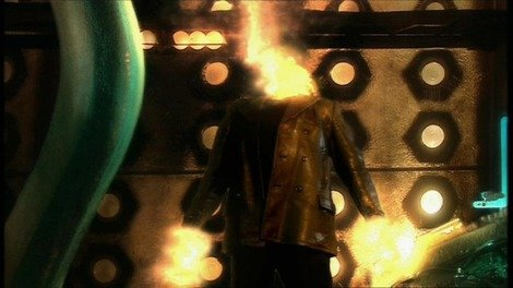 Christopher Eccleston regenerates into David Tennant in 'The Parting of the Ways'